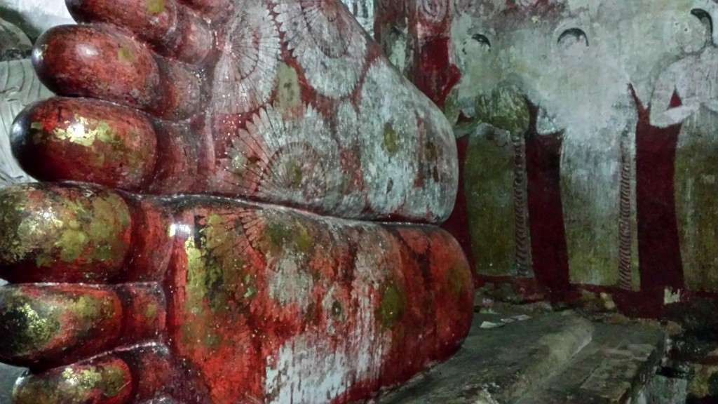 Grottes de Dambulla bouddha couché