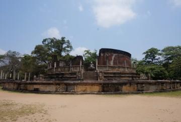 vatadage polonnaruwa