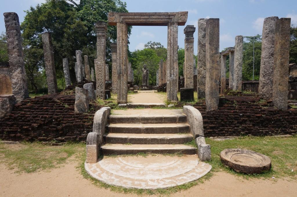 Terrasse de la relique de la dent polonnaruwa