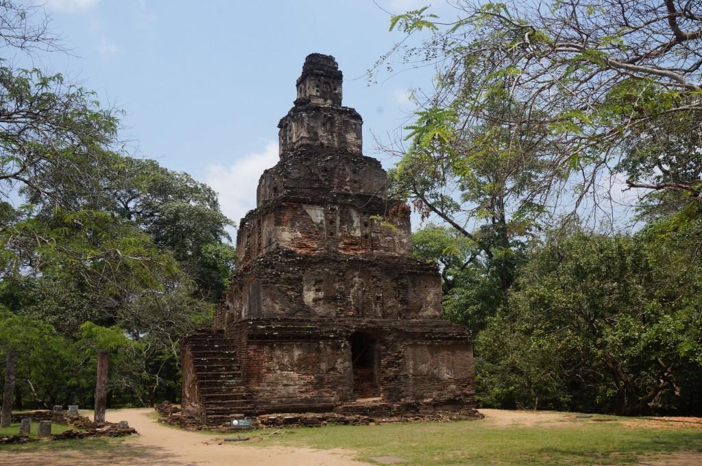 sat mahal prasada polonnaruwa