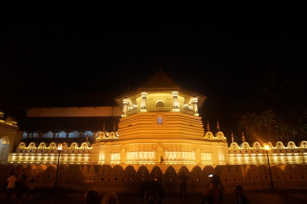 Le temple de la dent de bouddha Kandy