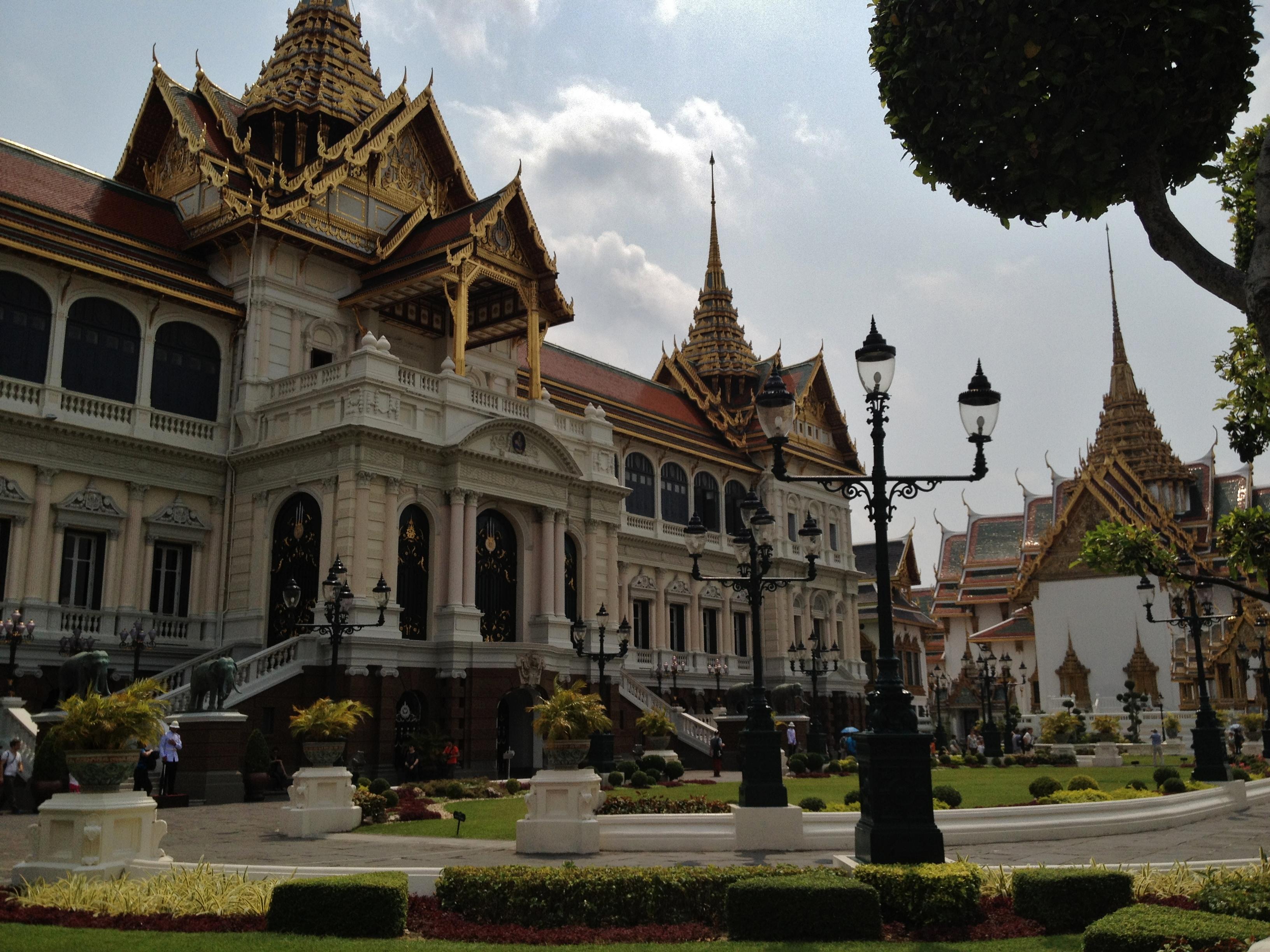 Visite du grand palais jolis circuits for Architecte grand palais