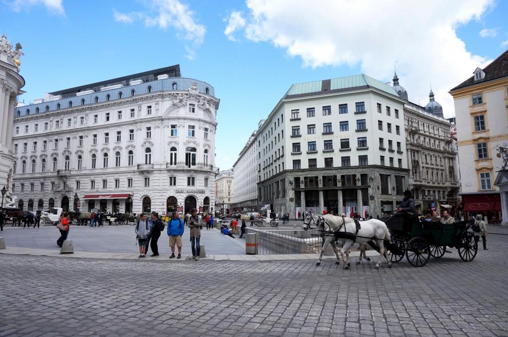 Vienne Place du Palais Impérial