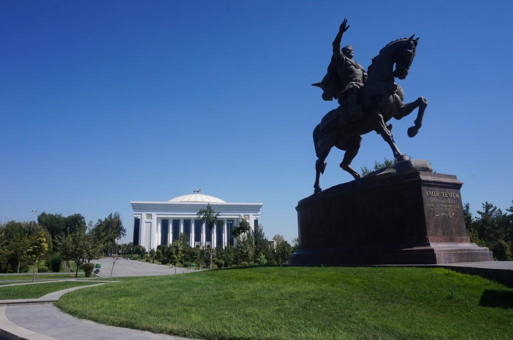 Statue Amir Timur