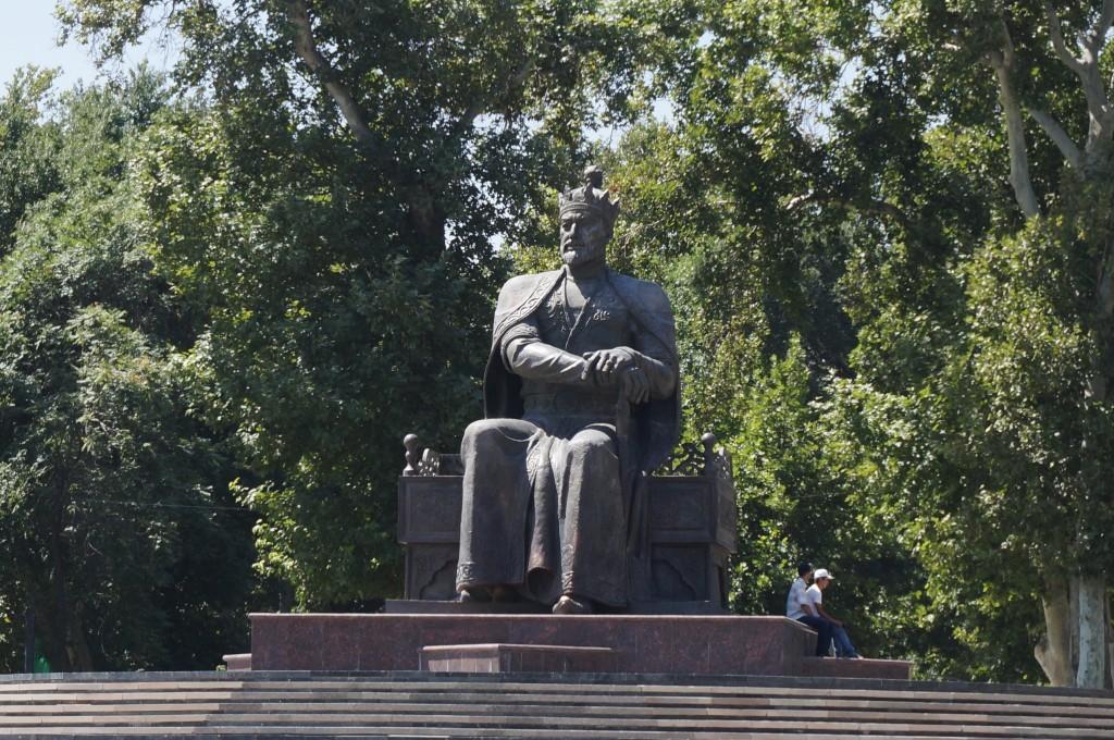 Statue d'Amir Timur