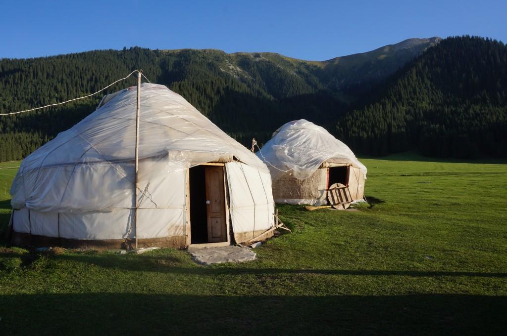Camp de yourtes Jeti oghuz