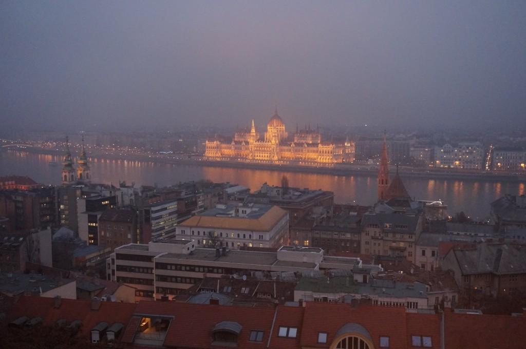 Vue sur le parlement Budapest