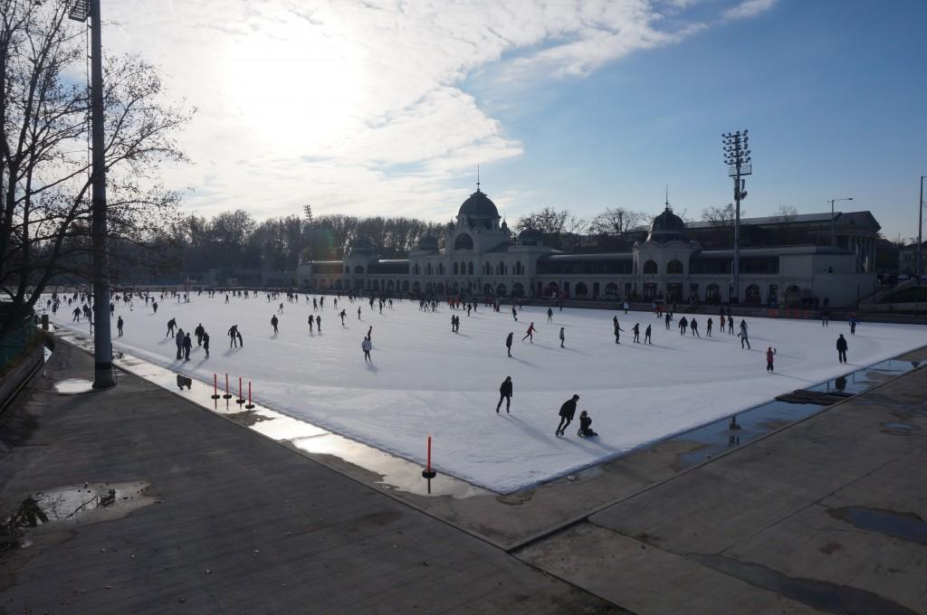 patinoire bois de ville budapest