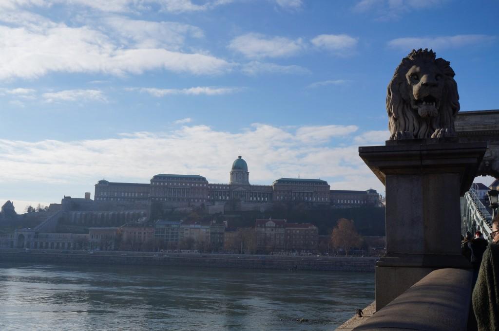Palais Royal Budapest du pont des chaînes
