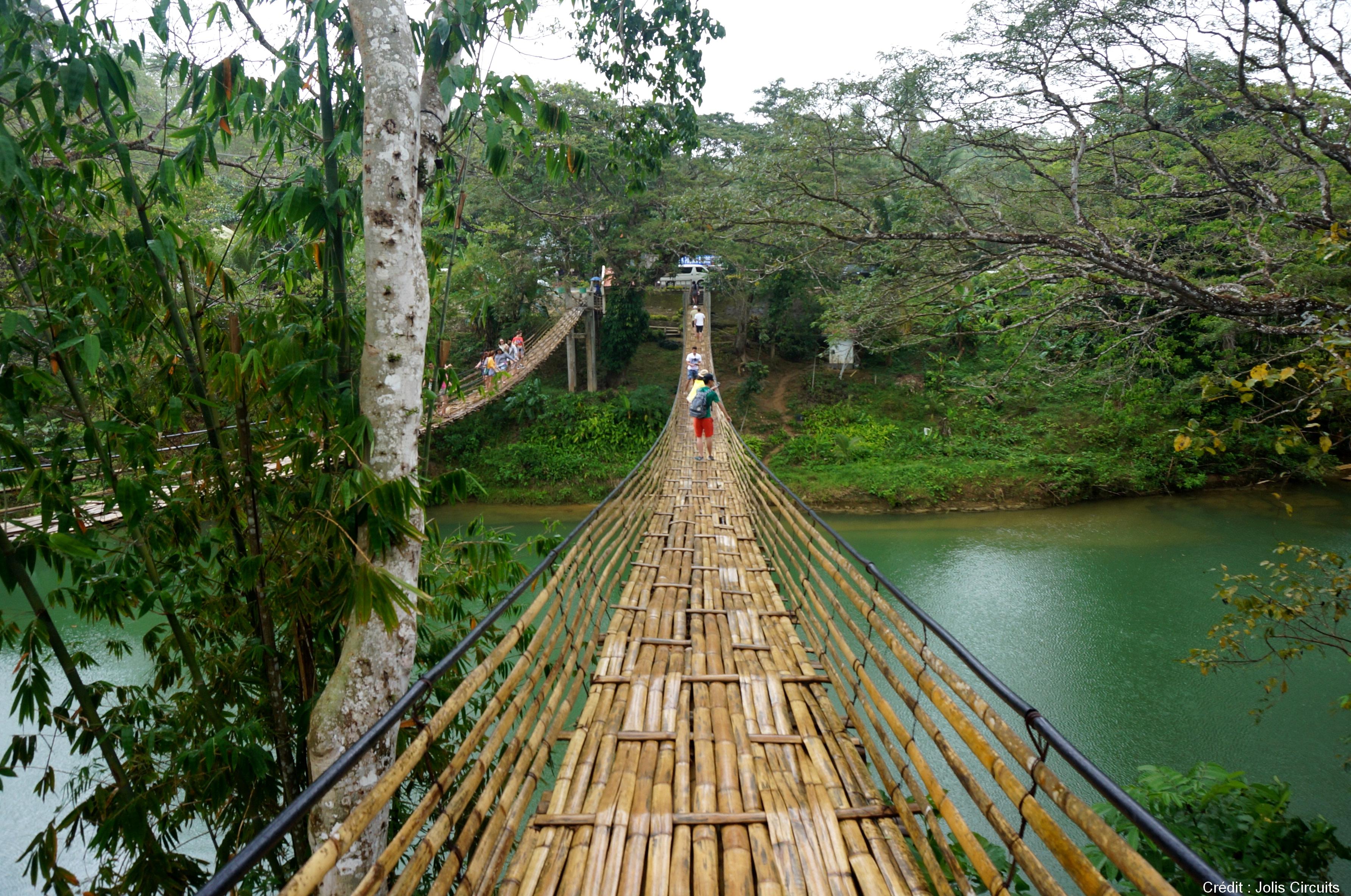 pont suspendu loboc river philippines bohol