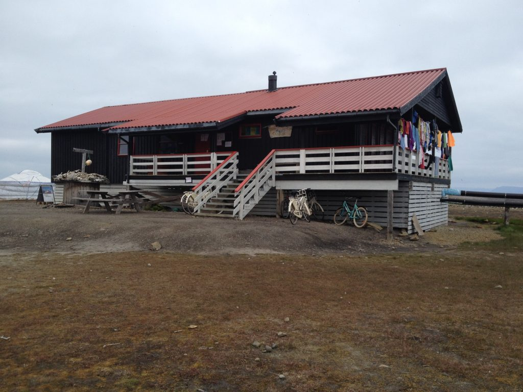 camping longyearbyen svalbard