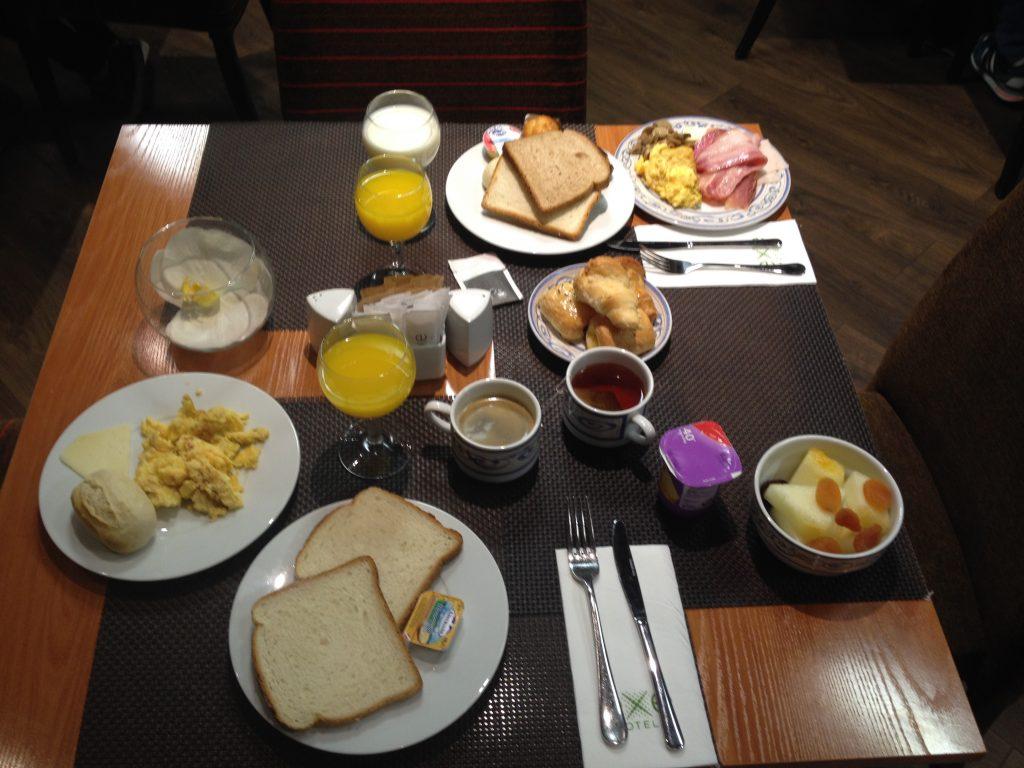 hotel madrid petit déjeuner