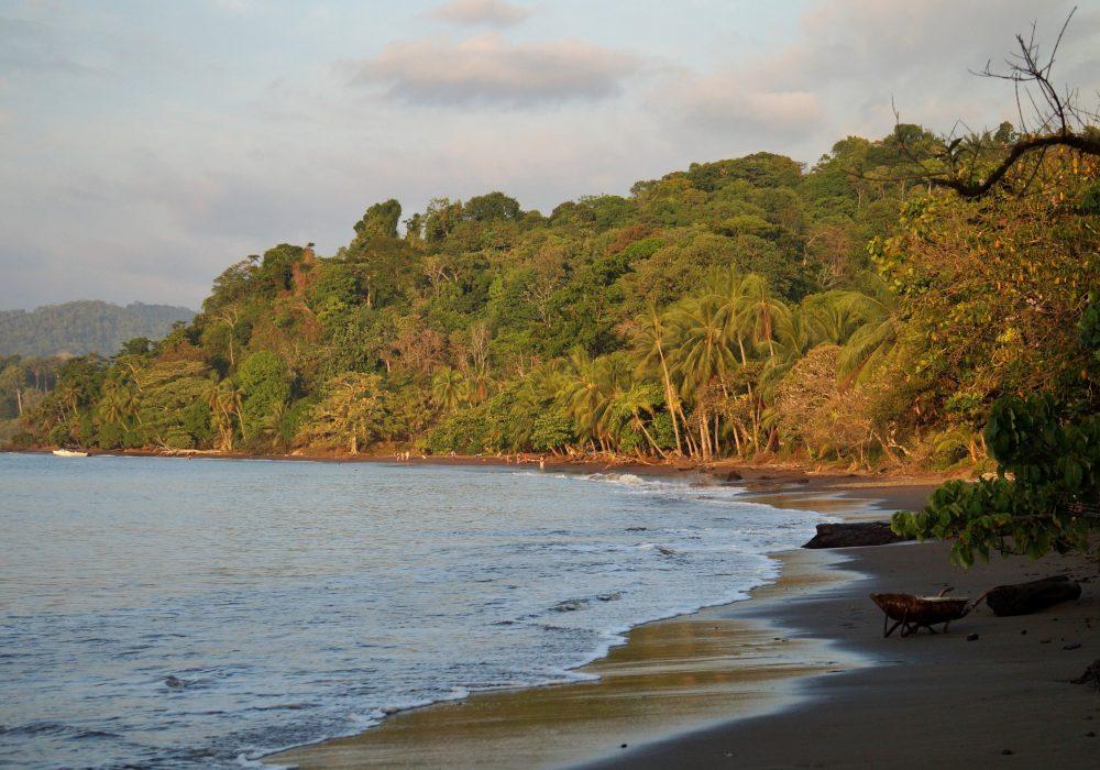 Plage du village de Bahia Drake (péninsule d'Osa) - Costa rica