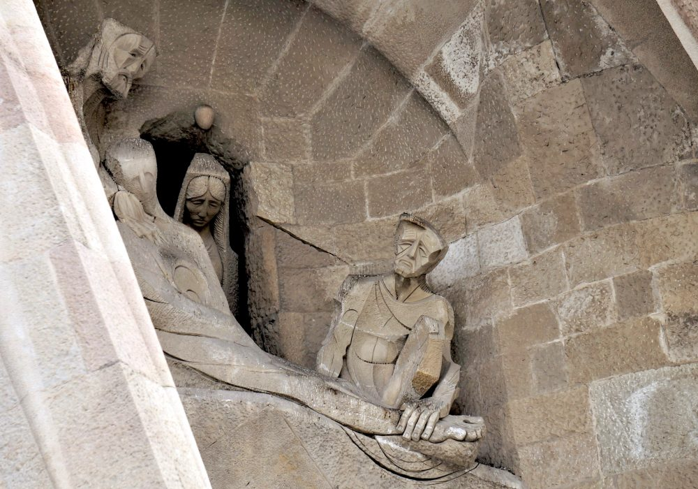 Déposition et lamentation - Sagrada Familia - façade de la passion - Barcelone - Espagne