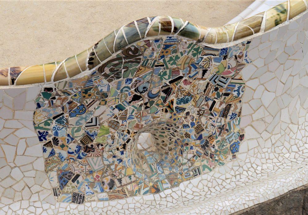 Céramiques de Gaudi - Parc Guell - Barcelone - Espagne - La place de la nature