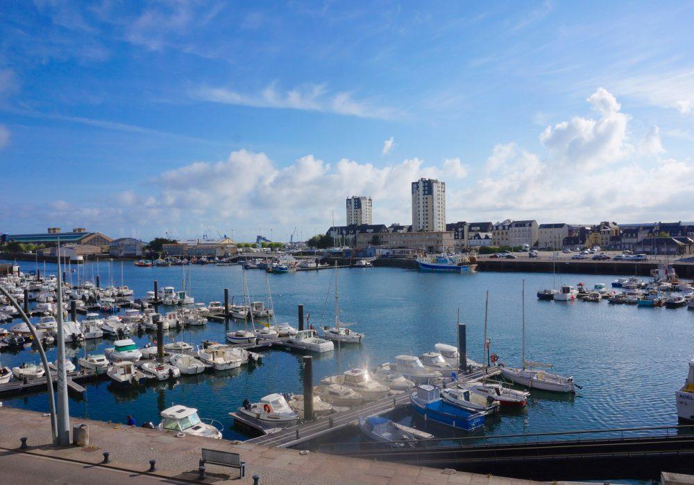 vue port cherbourg hôtel la régence normandie