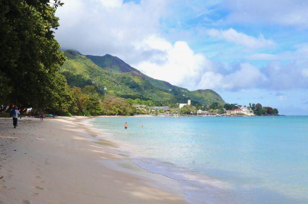 plage beau vallon, mahé, seychelles