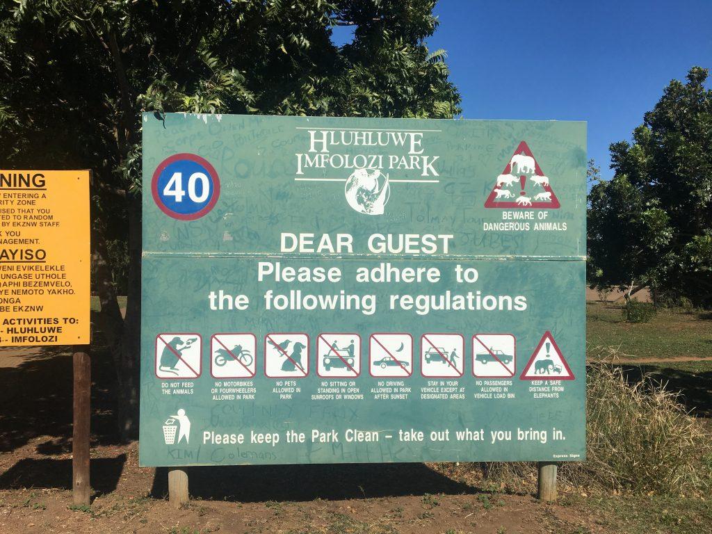 panneau d'information, parc hluhluwe, afrique du sud