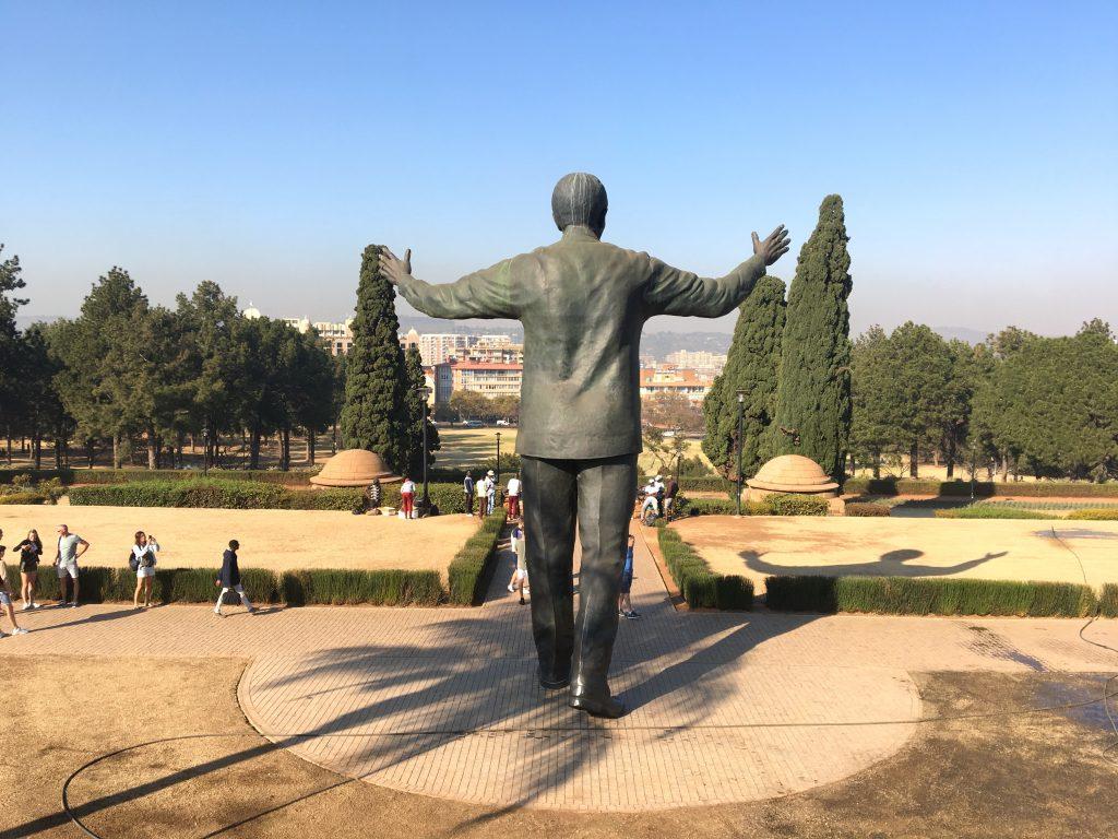 statue de nelson mandela, pretoria, union buildings, afrique du sud