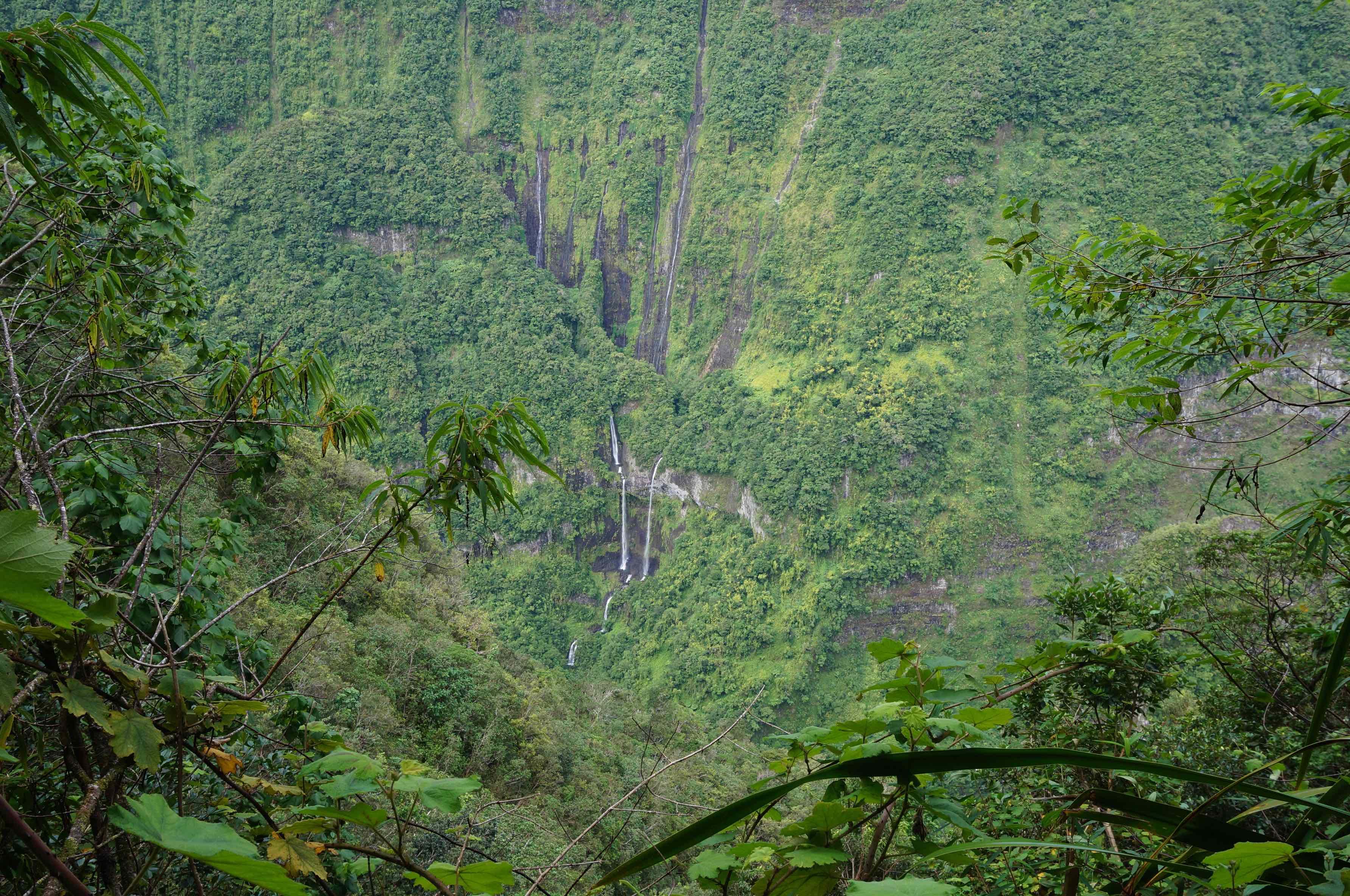 reunion paysage cascade takamaka