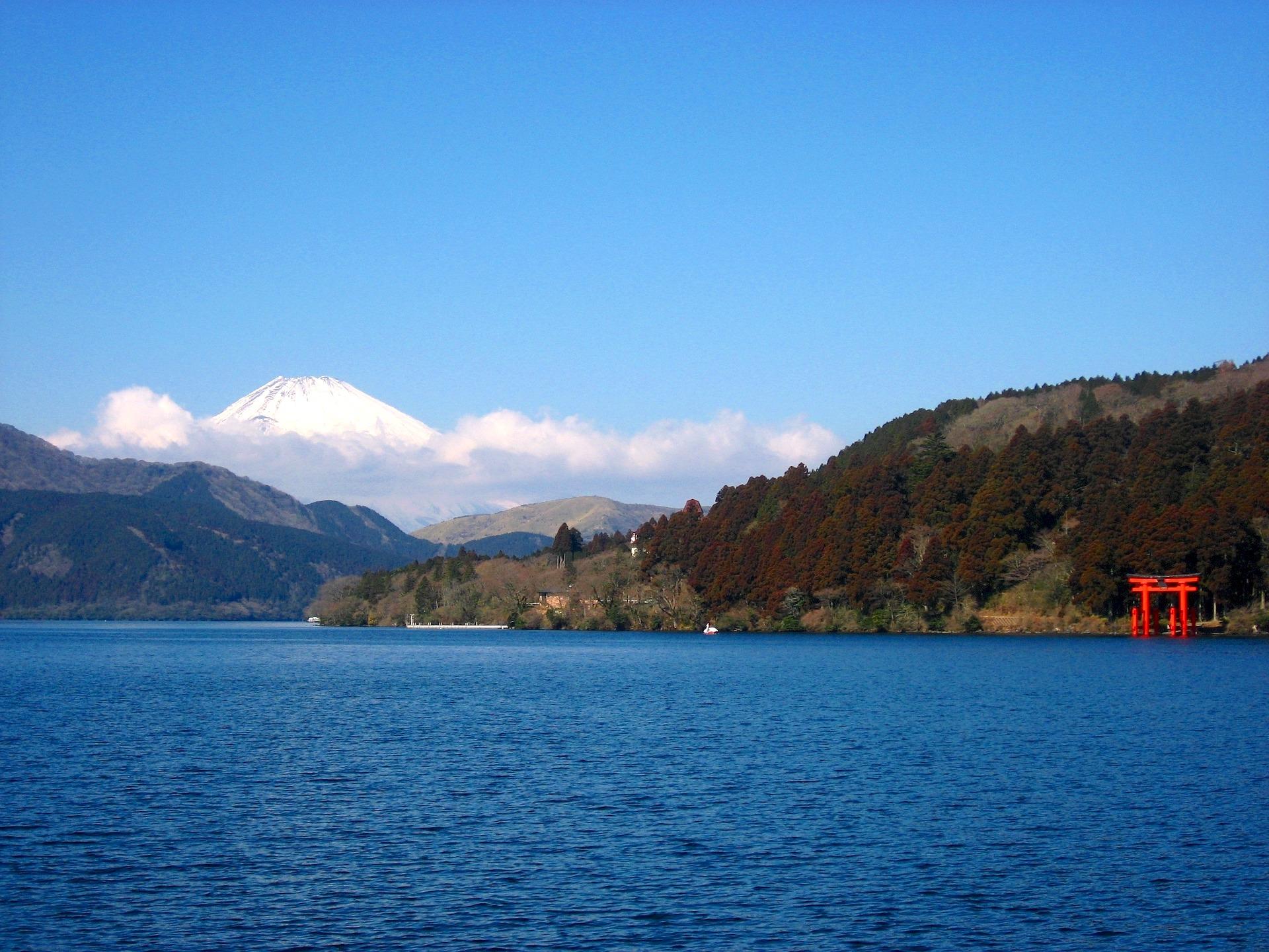 lac ashi, hakone, japon