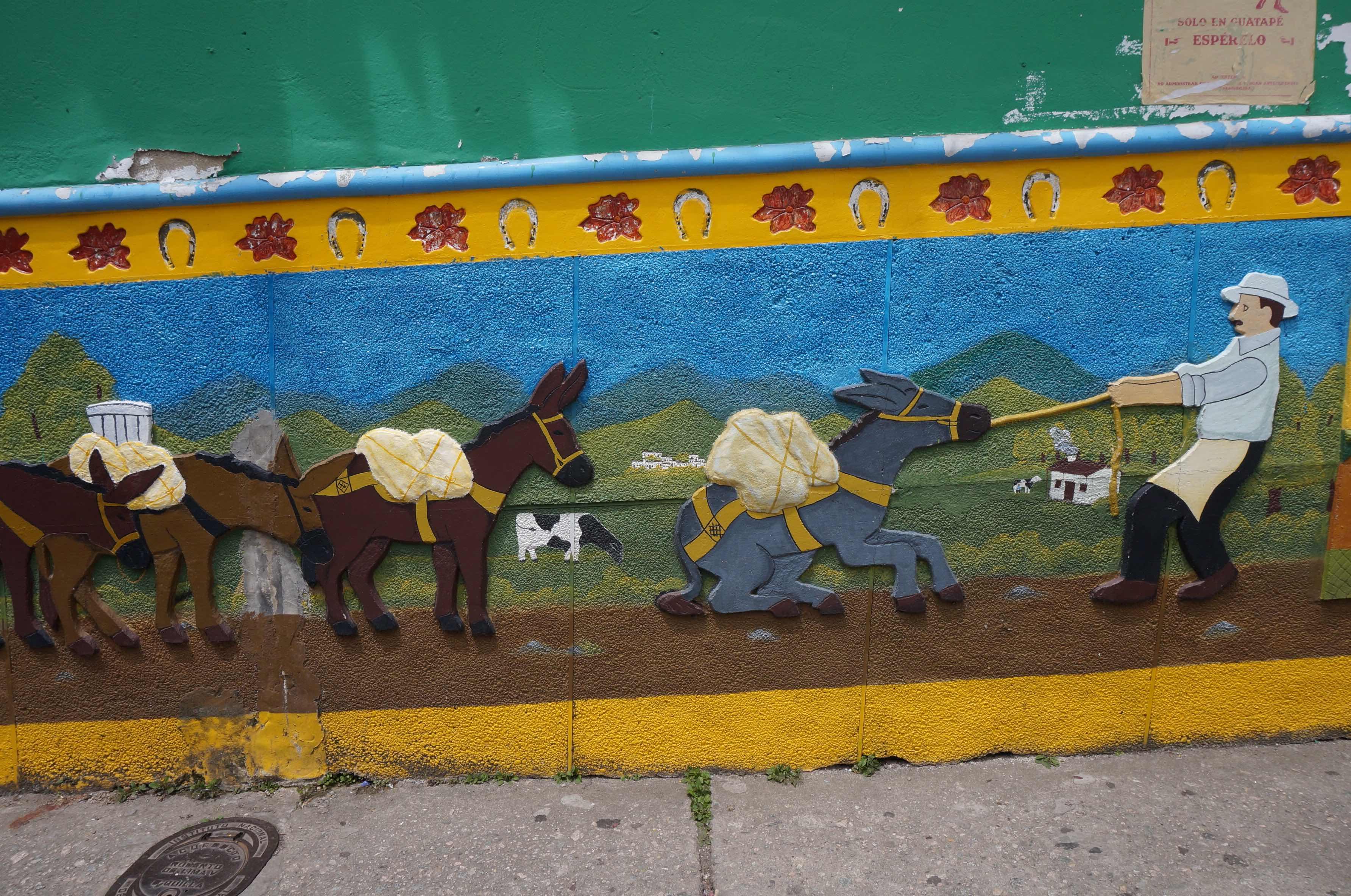 village de guatapé, zocalos, colombie