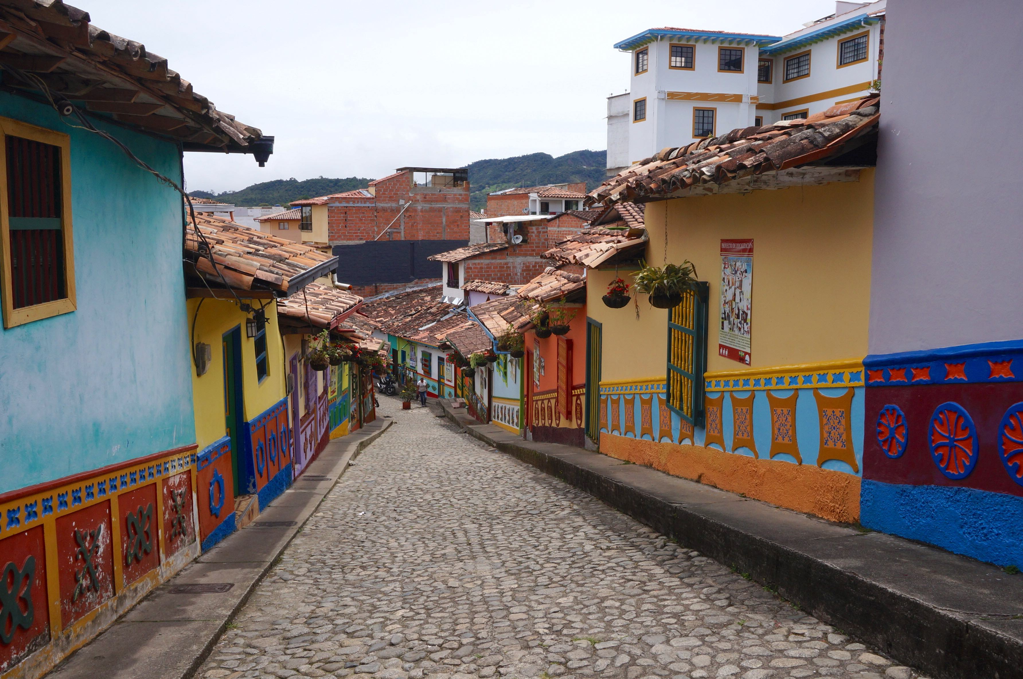 calle del recuerdo, guatapé, colombie
