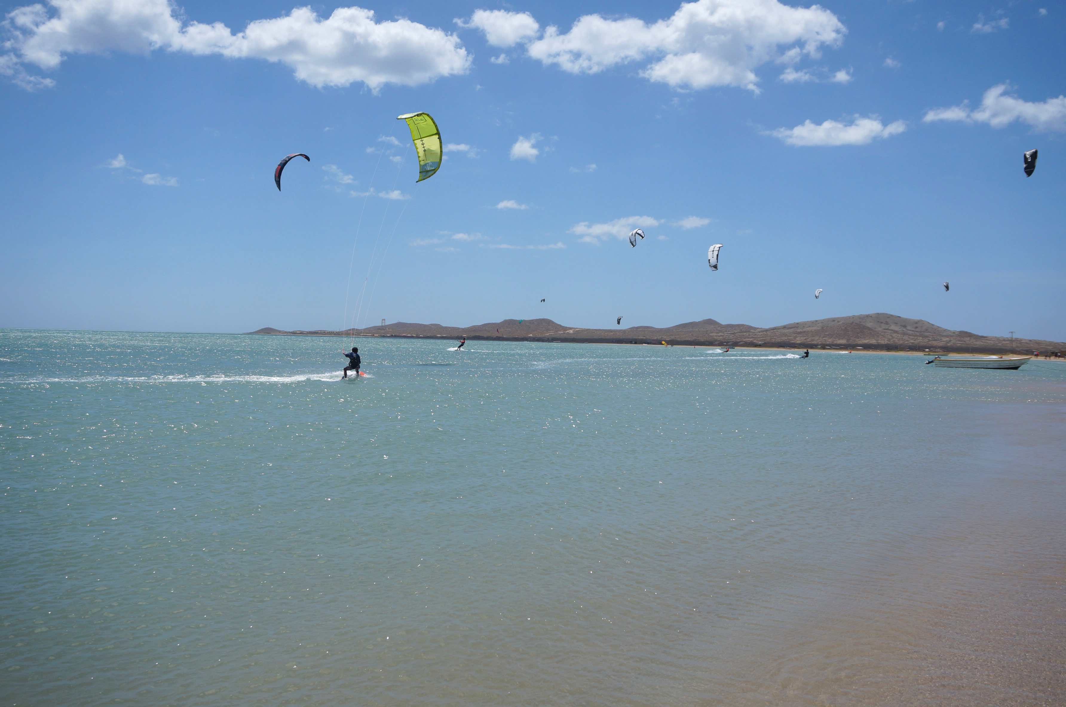 cabo de la vela, kitesurfeurs, péninsule de guajira, colombie