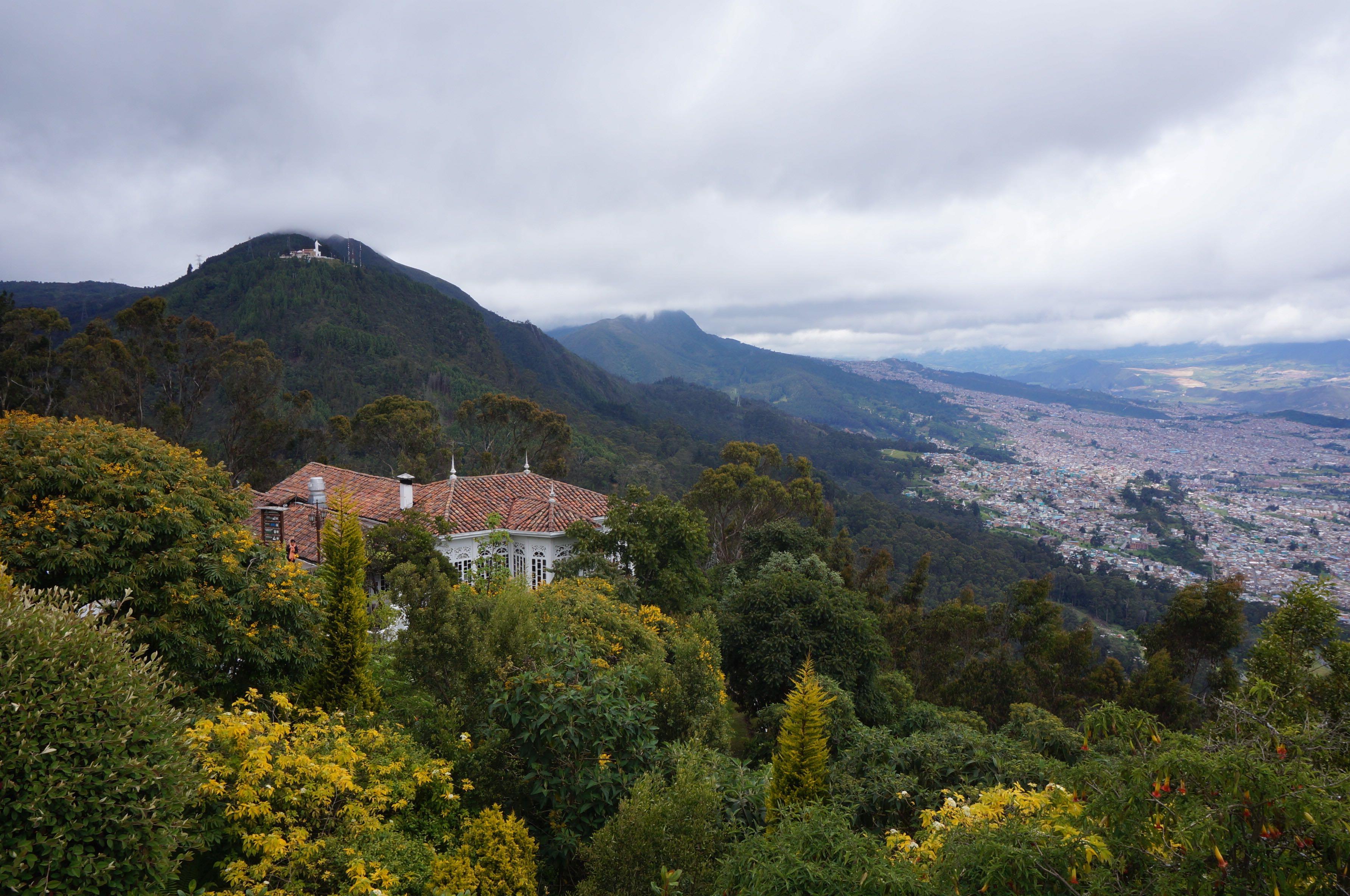 vue sur bogota, cerro de monserrate, colombie