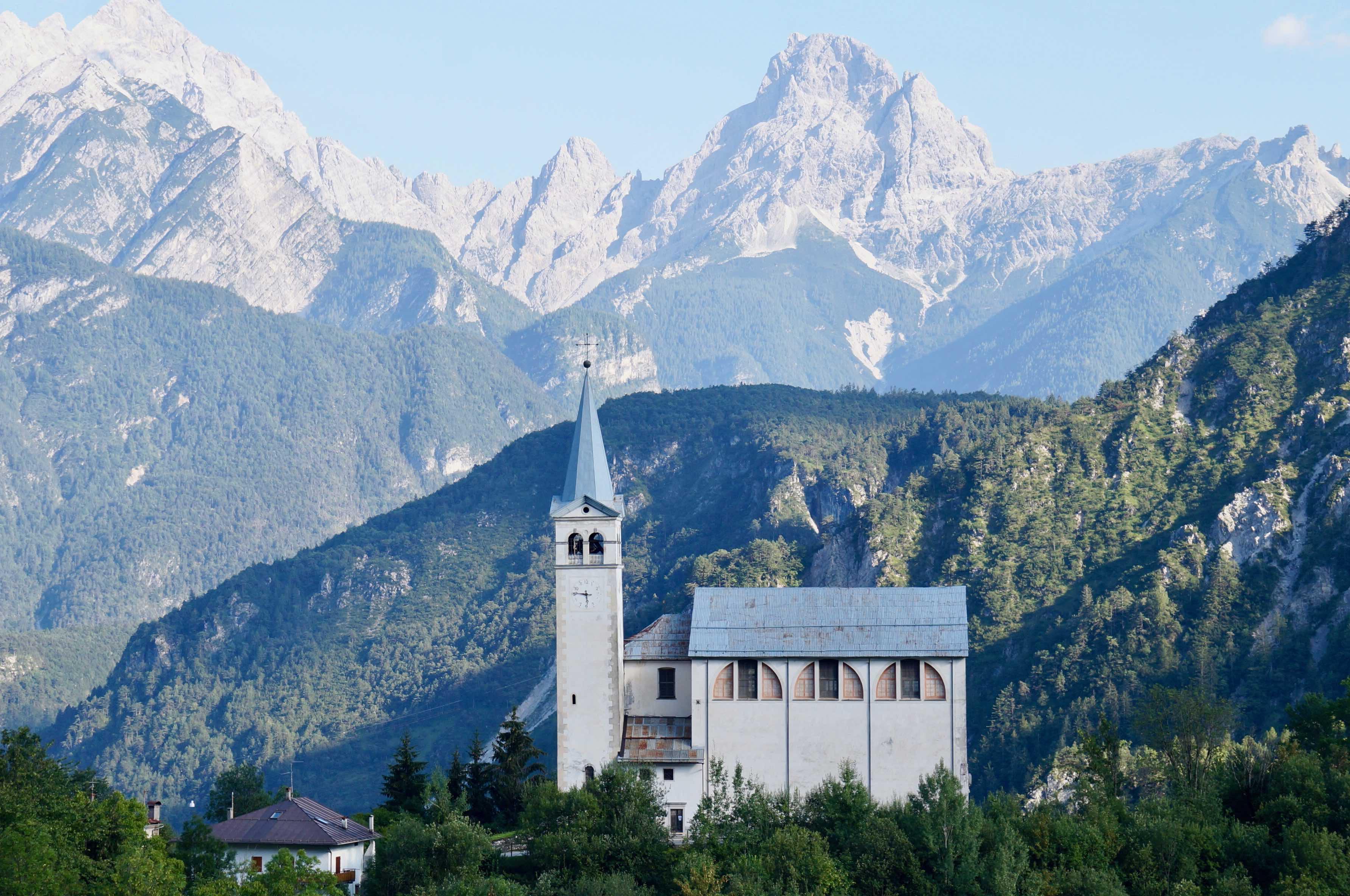 Eglise San Martino, dolomites, valle di cadore, italie
