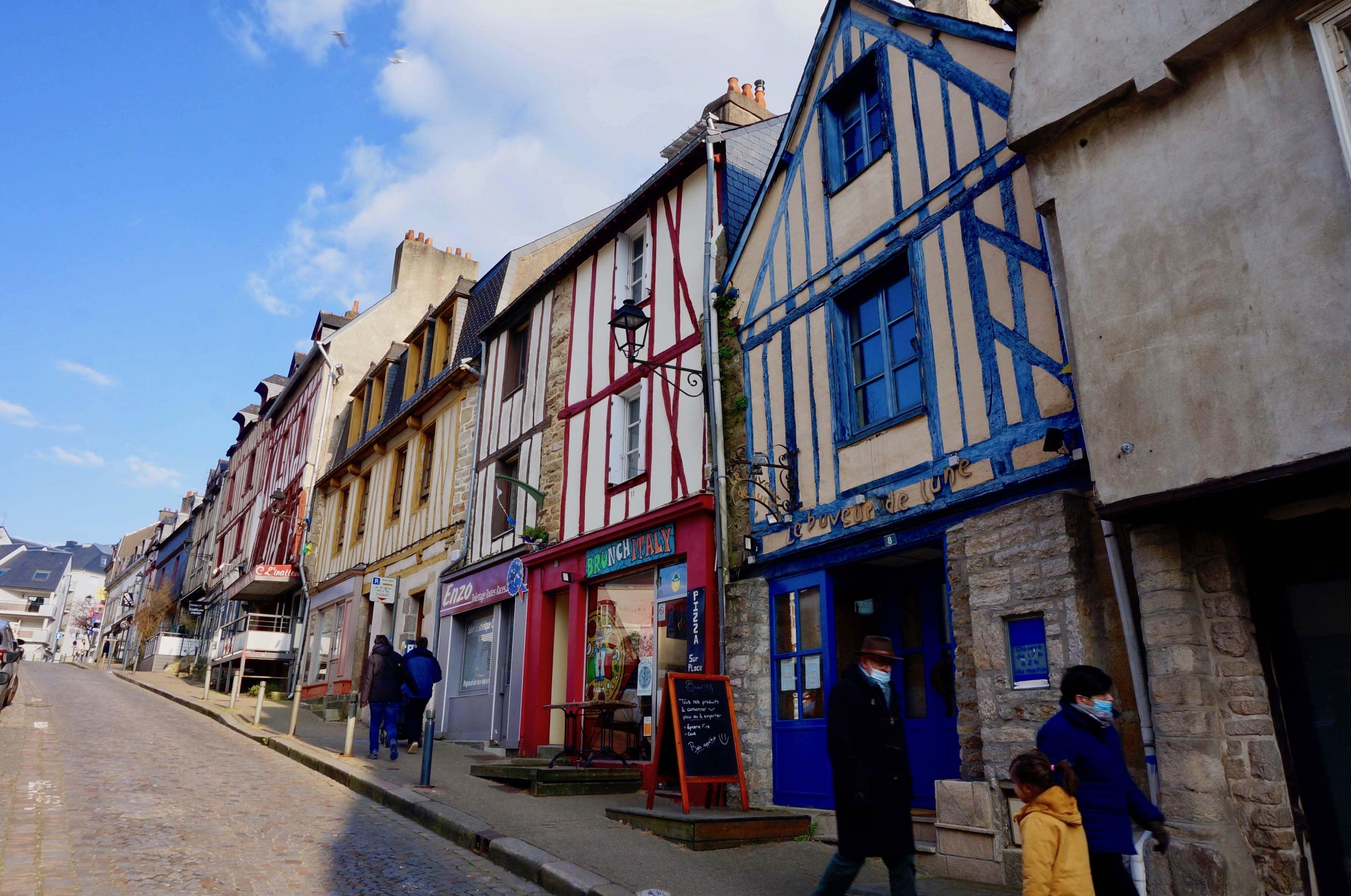 vannes, rue saint nicolas, bretagne