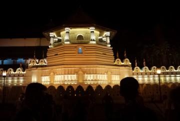 temple de la dent de bouddha kandy